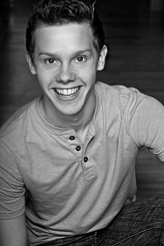 Tyler Michaels King (Hedwig)