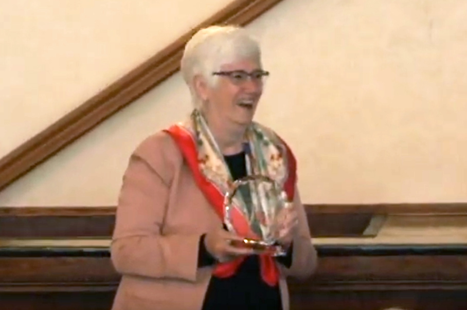 Dr. Helen Evans accepts Honorary Award