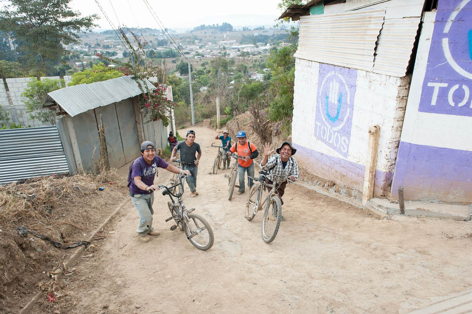 1540 LONG WAY HOME_2016_Guatemala_photographers without borders_ronbwilson_160303_685.jpg
