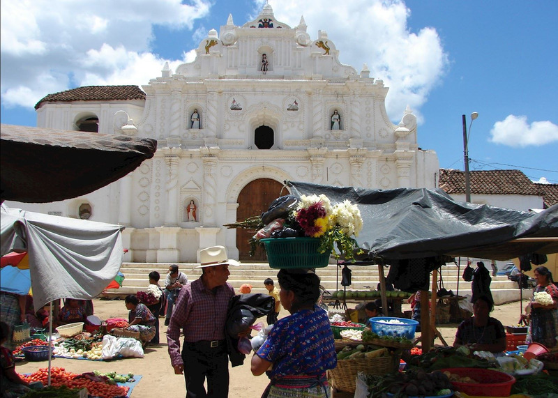 Comalapa's town square on market day