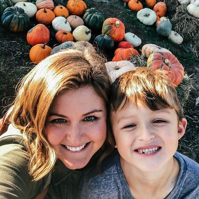 We are Fall people 🍁🎃 . . . #itsfallyall #pumpkinspice #cuddleweather #ohmygourd #jackolantern #carvingpumpkins #halloween #fallfun #oumpkinpatch #sweaterandbluejeans #hotapplecider