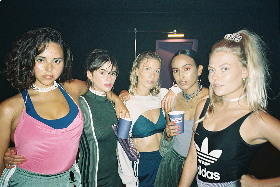 Zelma Lewerissa (Model), Marie Boda (Actress), Agnete Bjerre-Madsen (Founder of Moons & Junes), Nora Benjnou (Sneaker head) and Freja Wewer (Influencer)