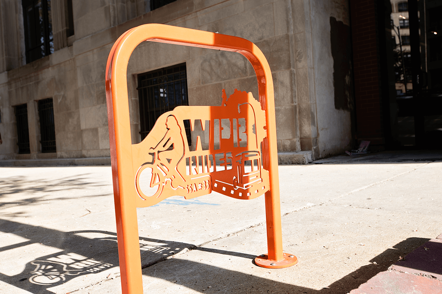 apartment-for-rent-1510-W-Division-Chicago-Bike-Stand.png