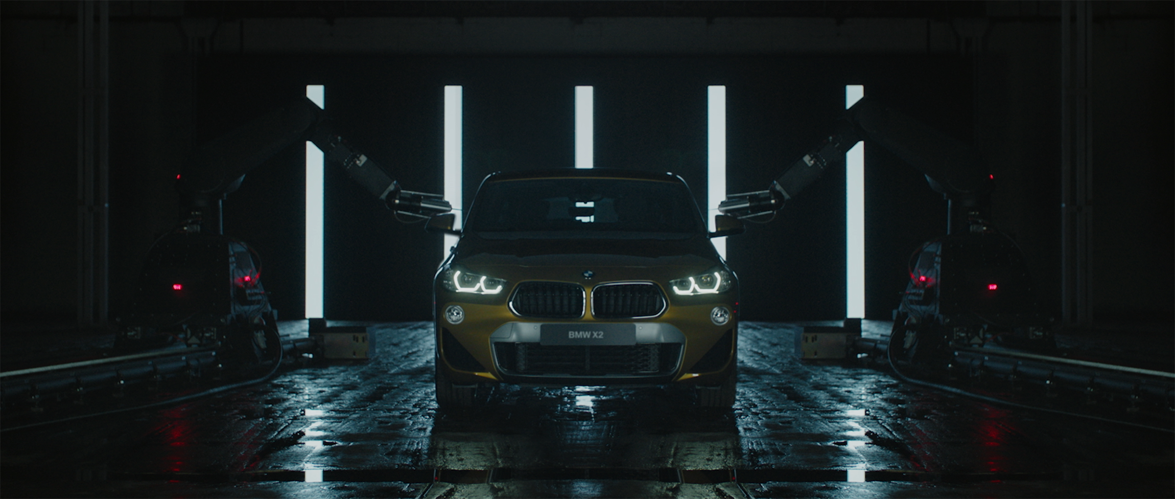 2BMW_X2_1920x816_prores@1,25x.png