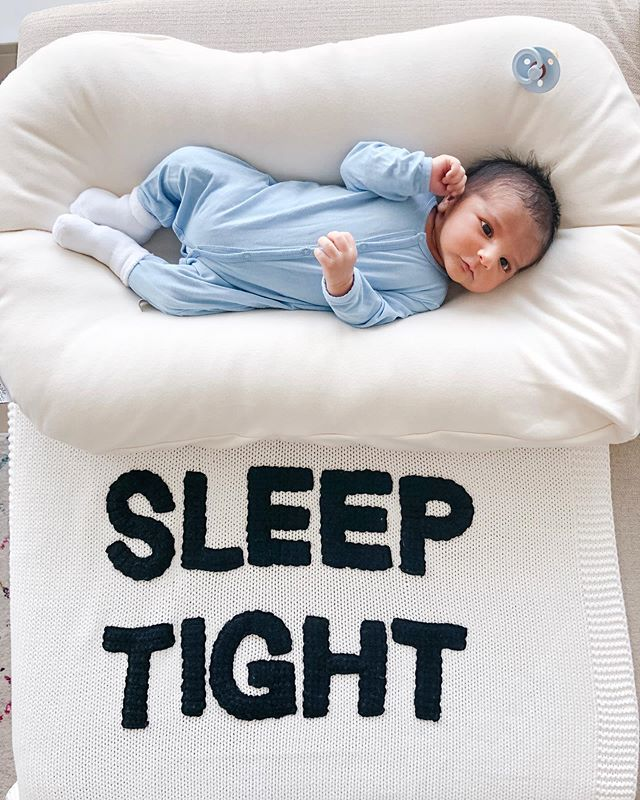 What do you really need for a new babe? I'm sharing my favorite items and brands on the blog today {link in bio}. What are some items you couldn't live without with a newborn (leave a comment below)? Happy Friday babes!!!