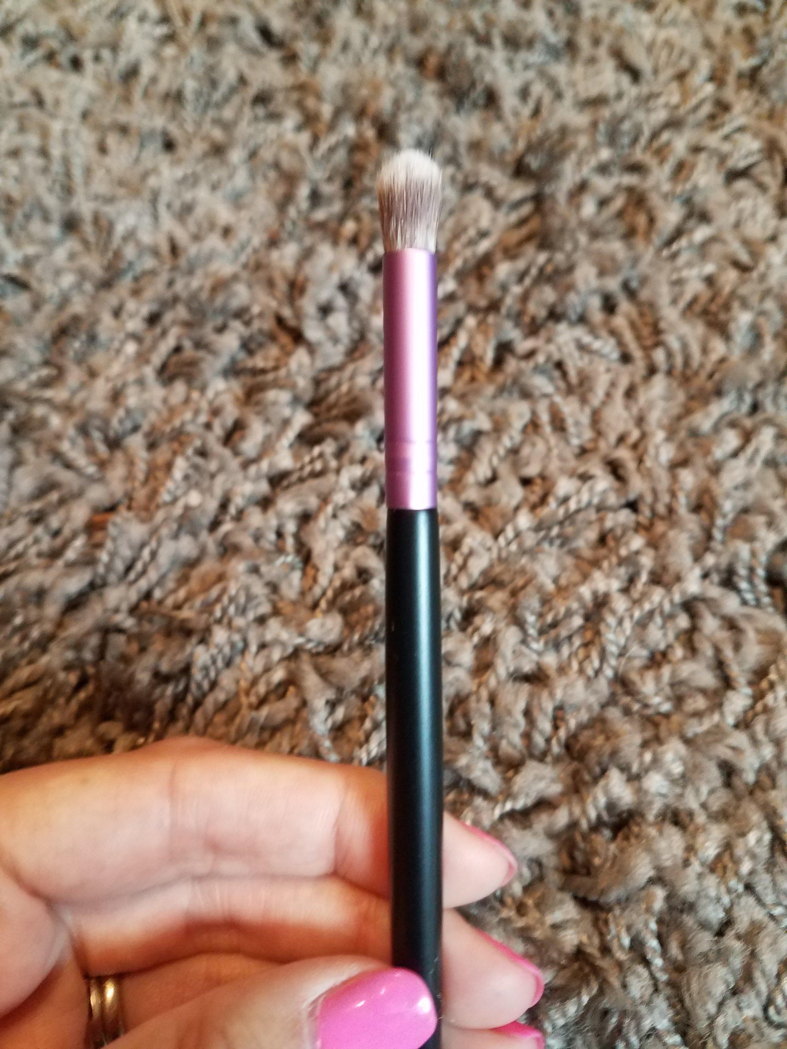 IBY Beauty Crease Brush