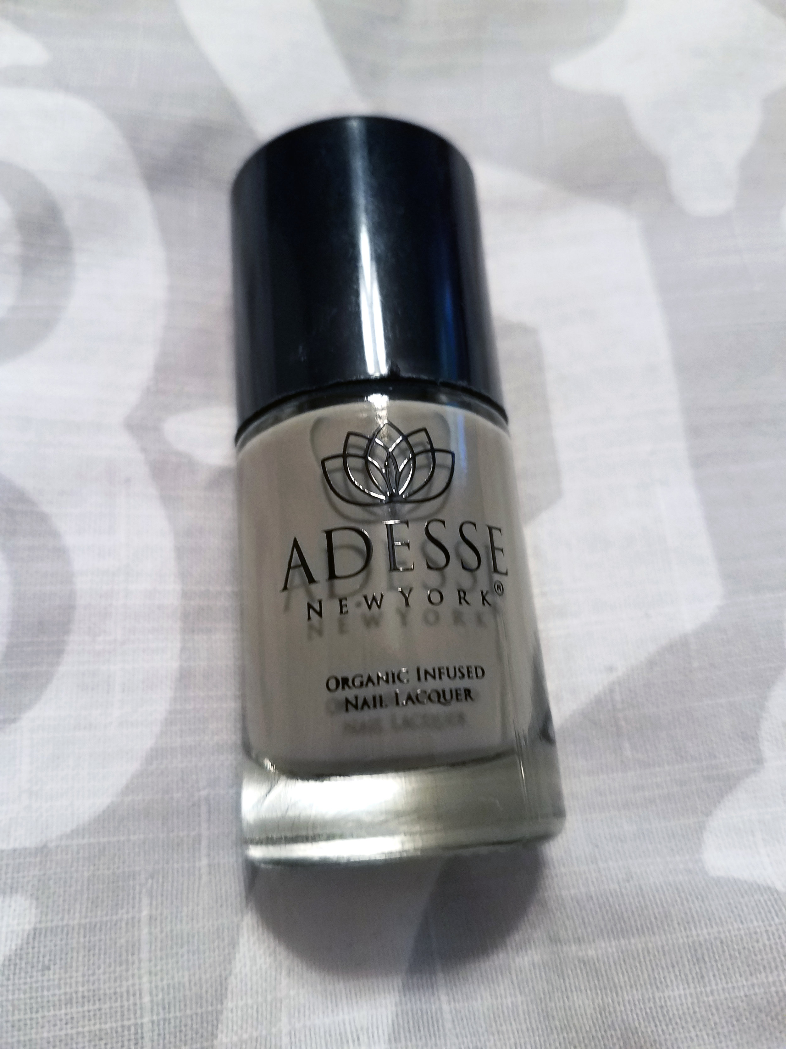 Adesse New York Organic Infused Gel Effect Nail Lacquer in Deception