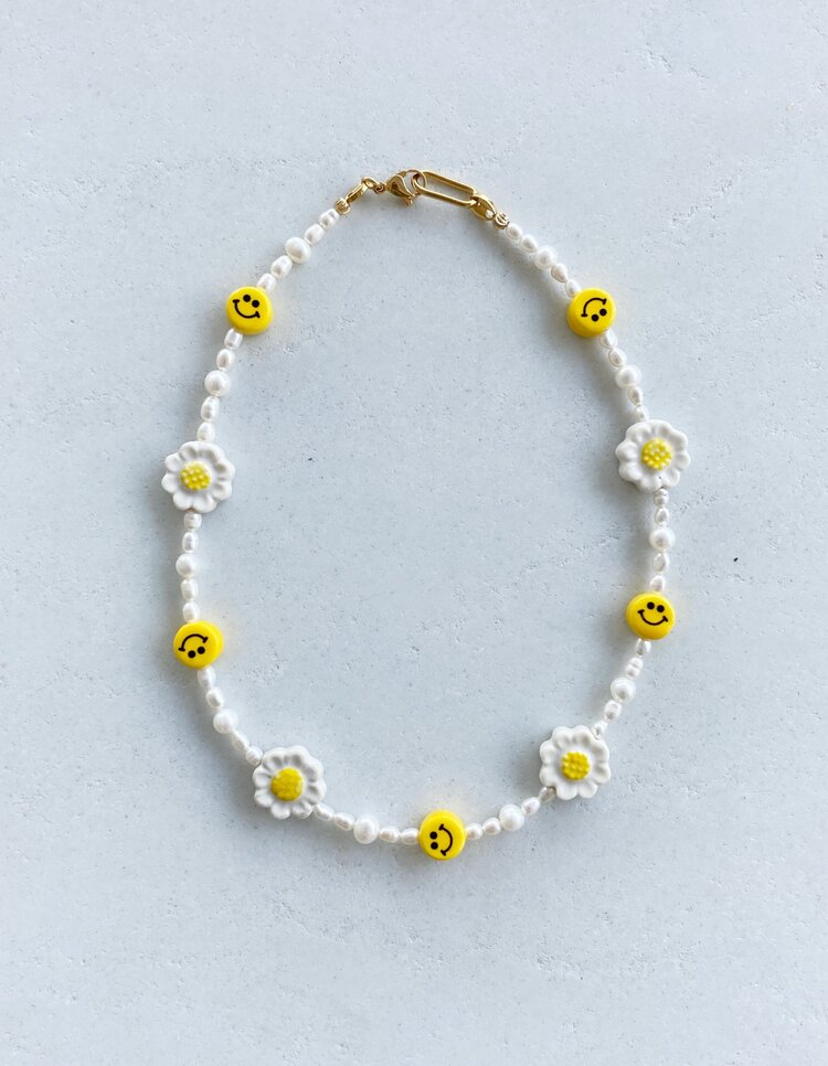 Blue smiley face daisy necklace GET HAPPY NECKLACE