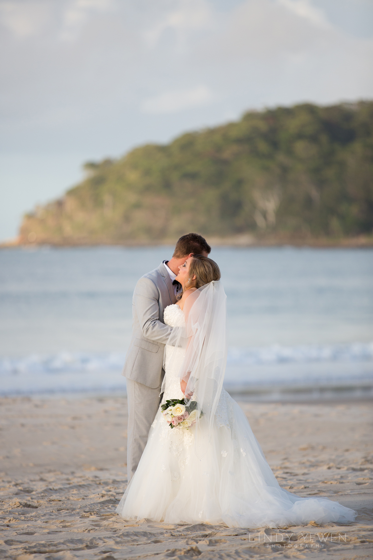 Best-Noosa-Elopement-Packages-Lindy-Yewen