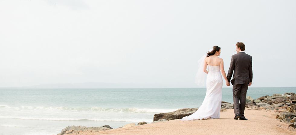 noosa-rock-wall-weddings 2