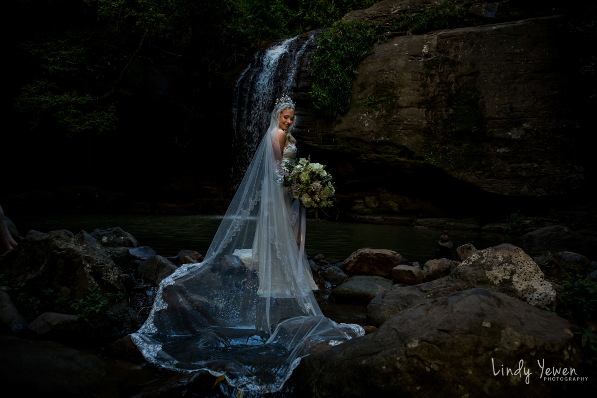 Sunshine-Coast-Waterfall-Wedding 112.jpg
