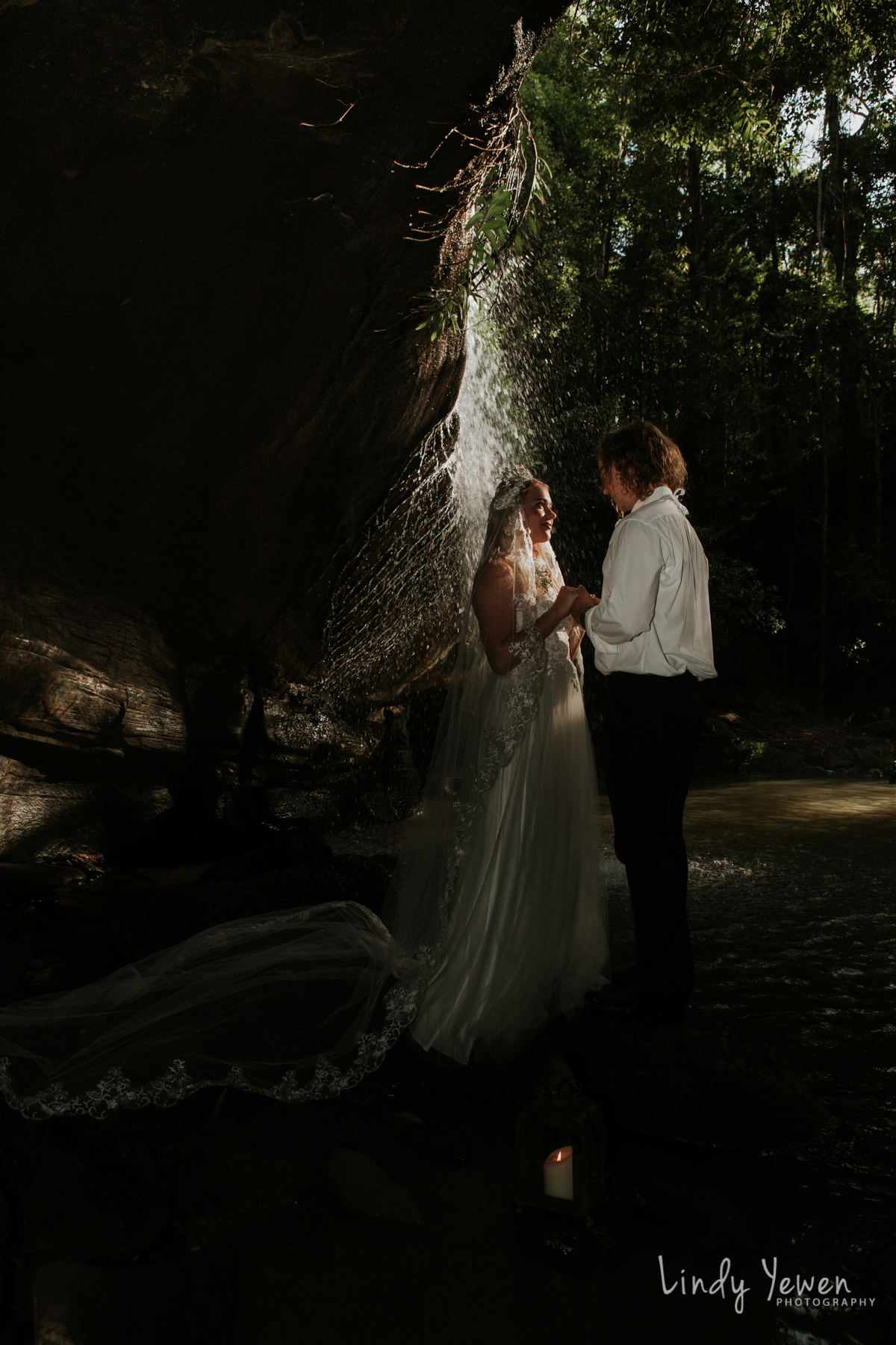 Sunshine-Coast-Waterfall-Wedding 57-2.jpg