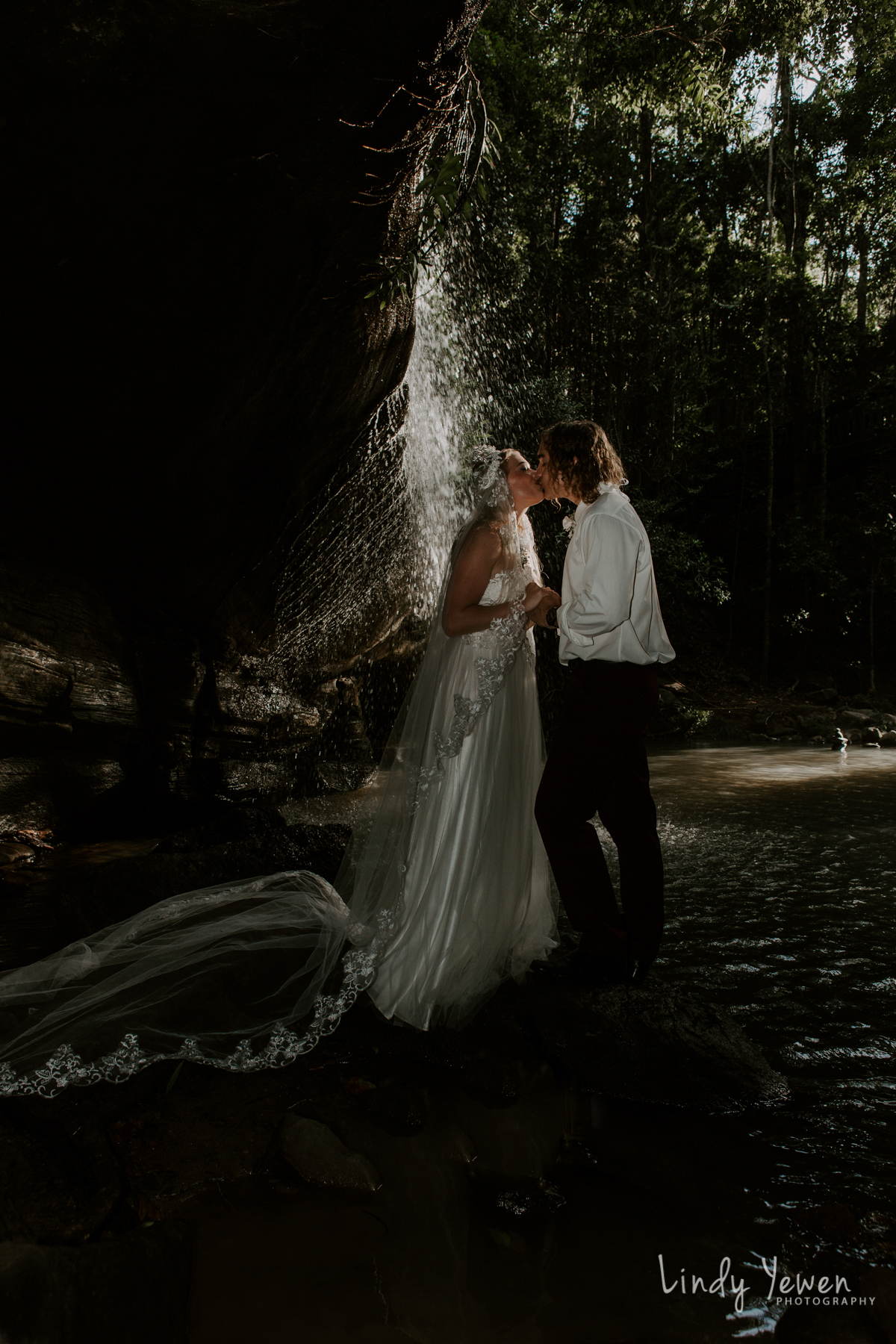 Sunshine-Coast-Waterfall-Wedding 59-2.jpg