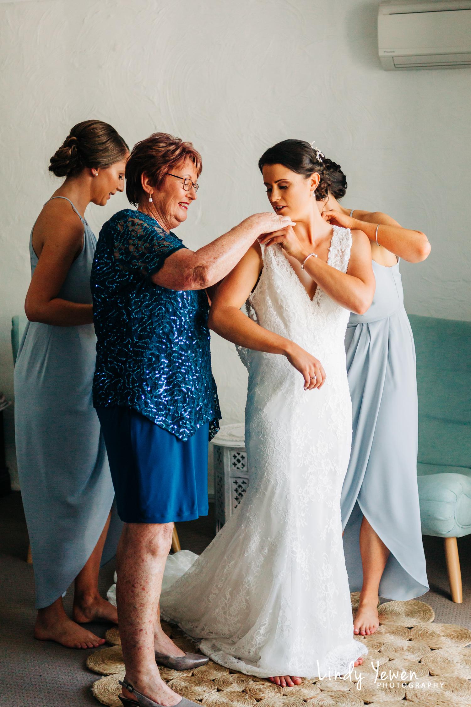 Noosa-Marina-Wedding-Nat-Natalie  27.jpg