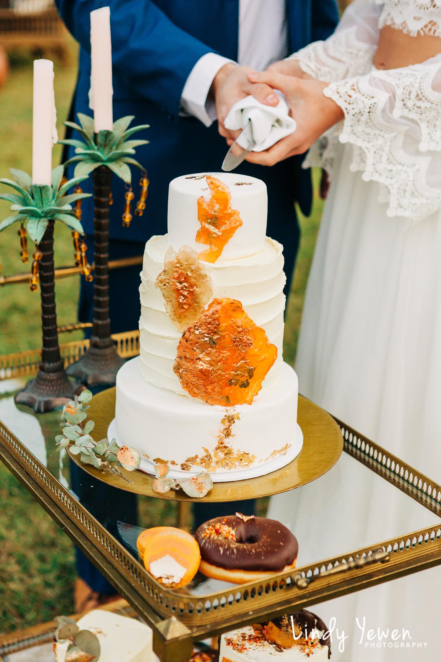 Noosa-Wedding-Photographers-Lindy-Yewen 38.jpg