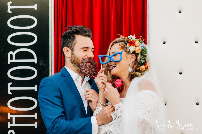 Noosa-Wedding-Photographers-Lindy-Yewen 45.jpg