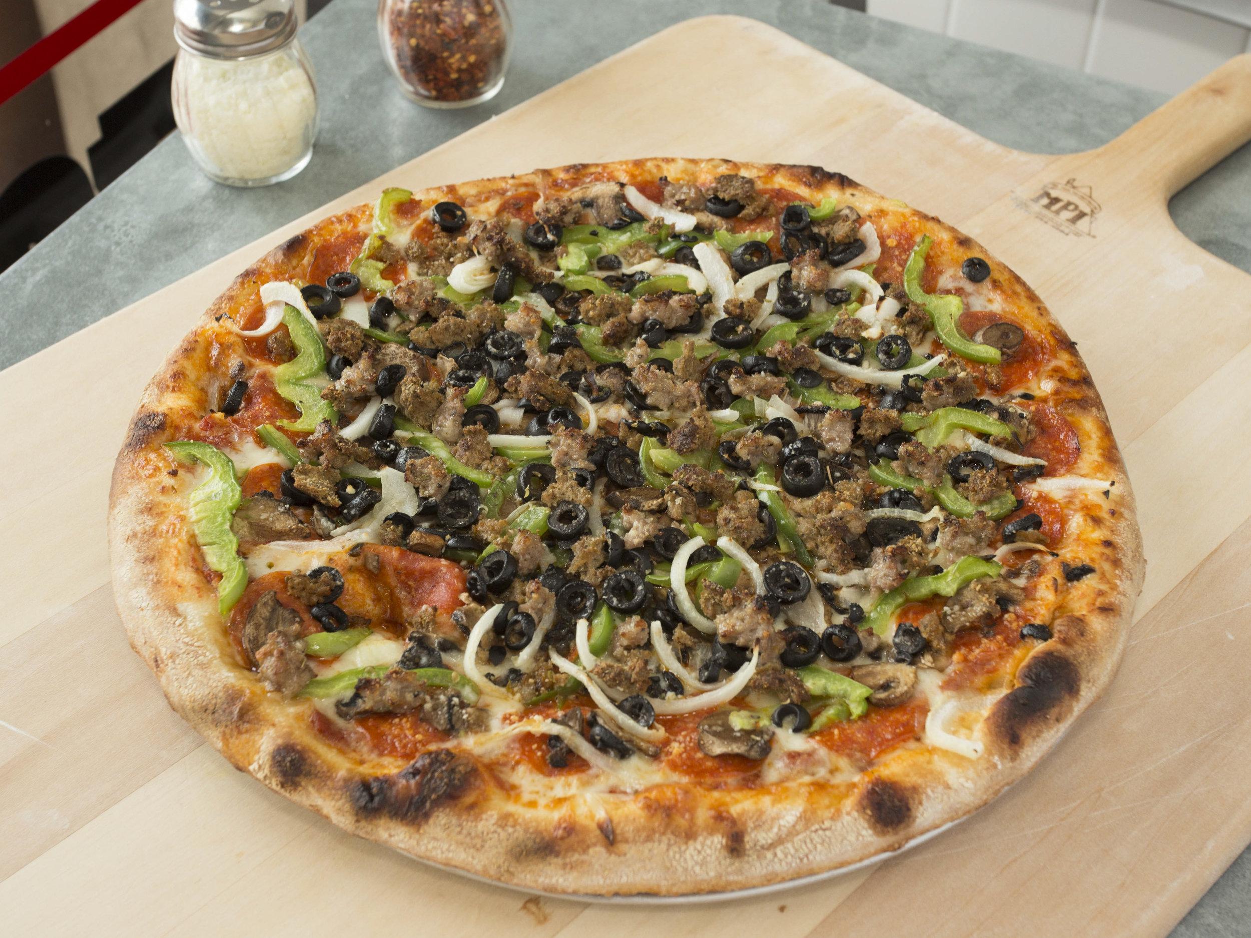 Greco's Pizza Pasta_Supreme Pizza3.jpg