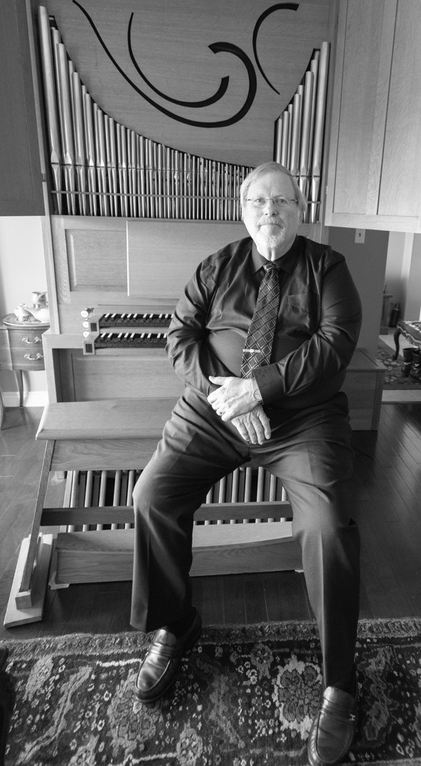Jim Leonard at his home organ