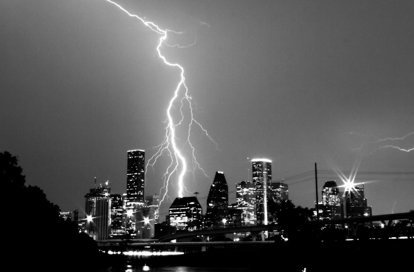 Houston Lightning off_center