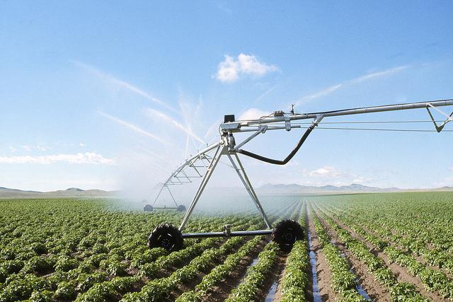 Age of Ecology - David Attenborough's favorite environmental essays - center pivot irrigation