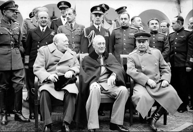 Age of Ecology - David Attenborough's favorite environmental essays - Yalta