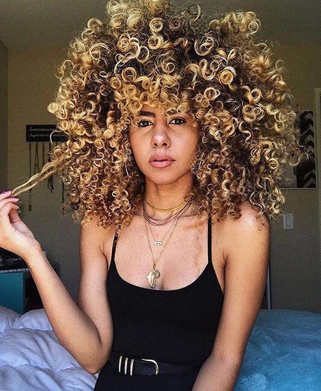 Just amazing 😍#Repost @american_salon ・・・ Curls just wanna have fun @niathelight 🌀🌀🌀 #americansalon