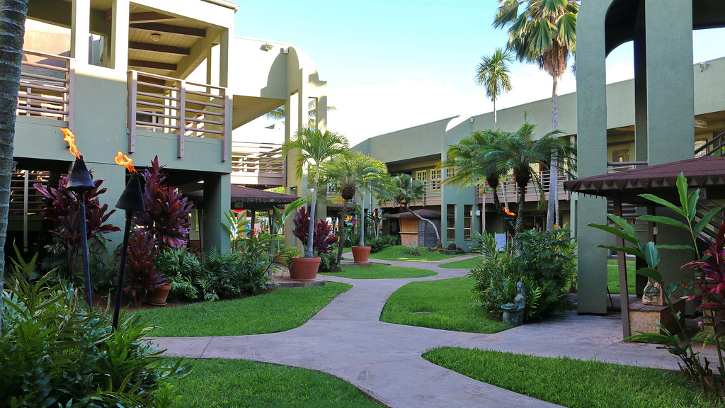 harbor-mall-kauai.jpg
