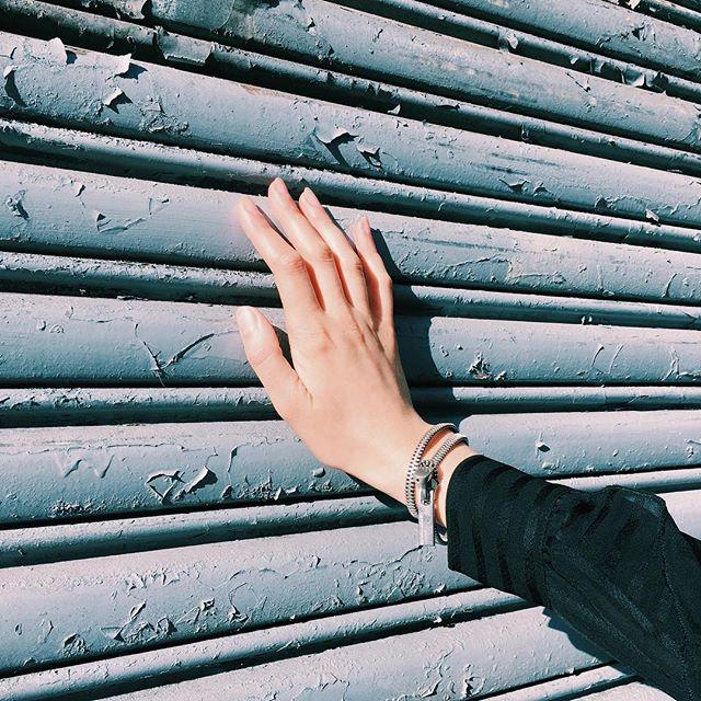 AKIVA zipper on NYC surfaces #ofnobleorder