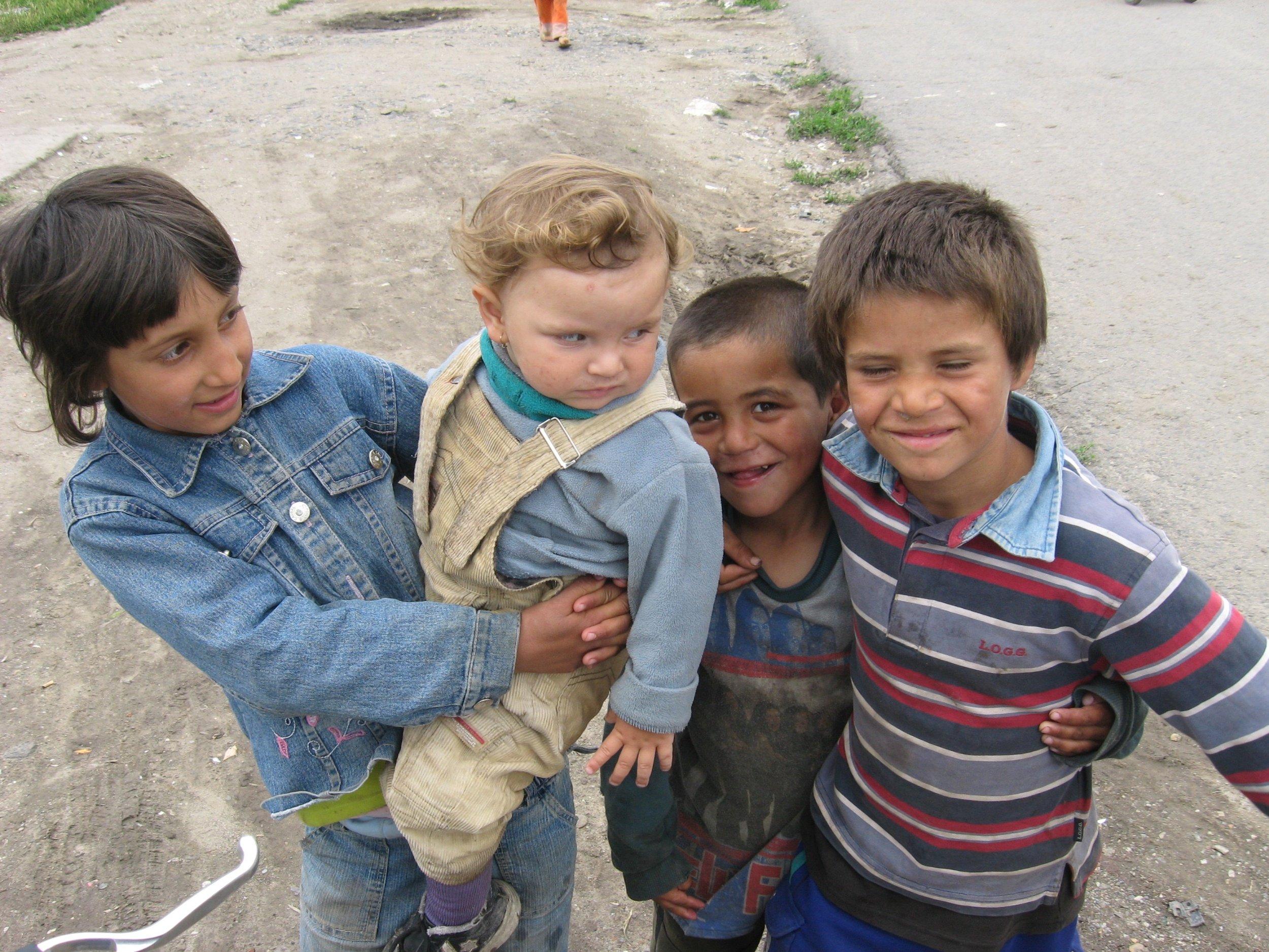 4 kids in ghetto.jpg