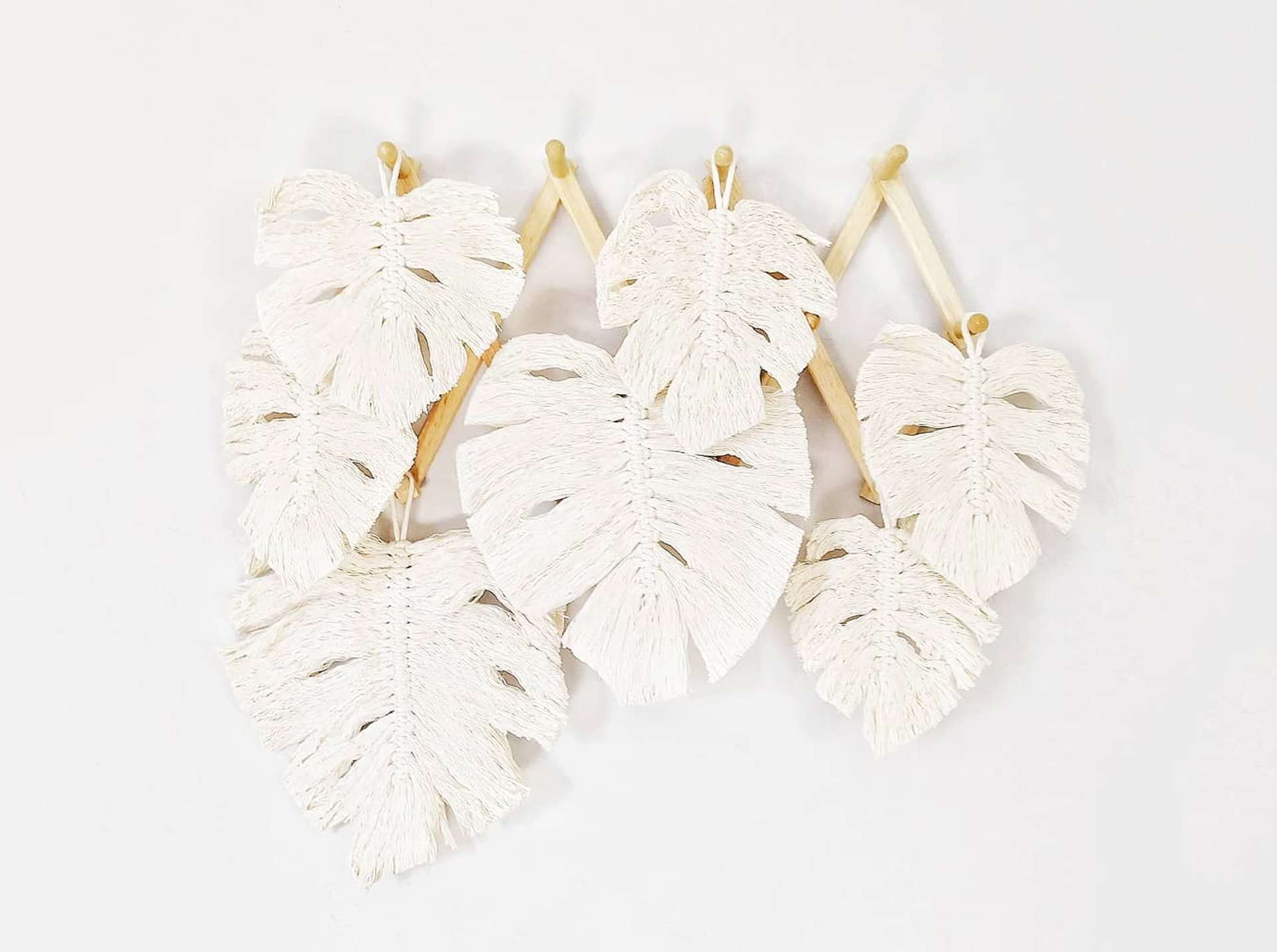 Macrame Leaves_Damaris Kovachart2.jpg
