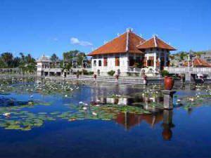 palace-grounds-puri-karangasem-to-preserve.jpg
