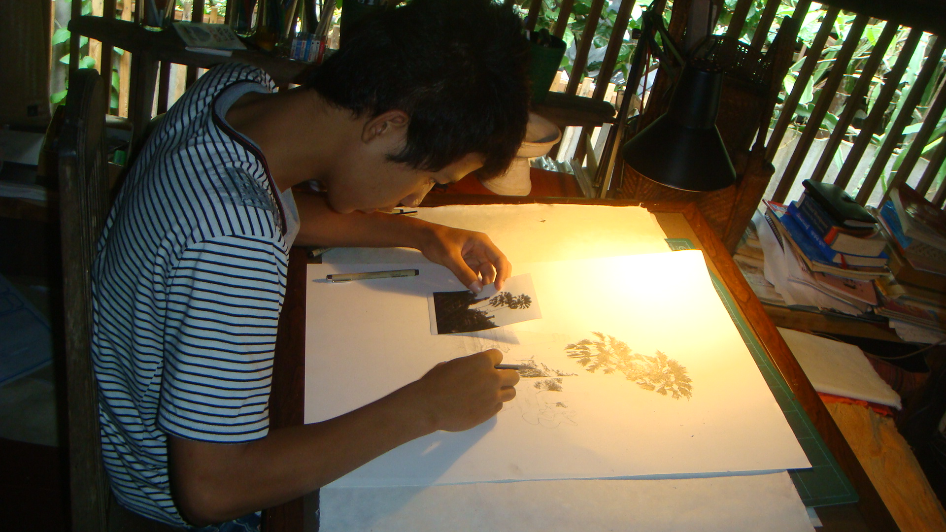 Learning art at Puang Champa Cultural House.