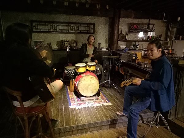Jamming at Django's barplace