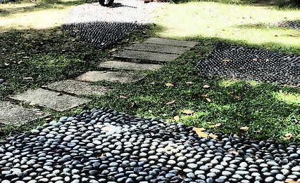 Tiong Bahru includes a Foot Reflexology pathway.