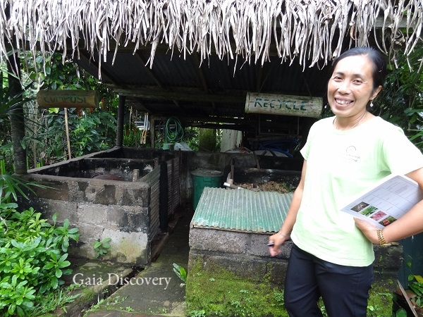 Ibu Putri explains how waste sorting, recycling and composting are vital steps in waste management at Sarinbuana Eco Lodge.