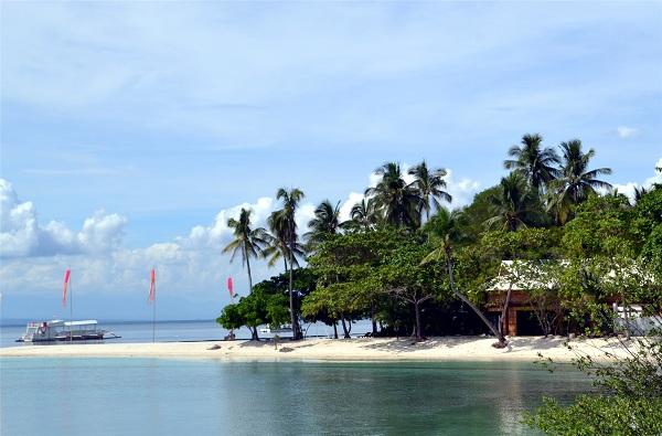 The family villa at Buenavista Island Resort faces the lagoon directly