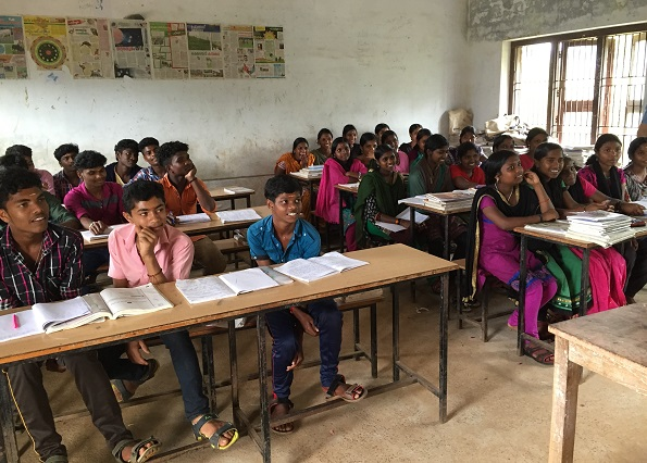 SaveAGram encourages guests to interact with school children in village schools of India so as to raise their awareness of what goes on in the world if not to teach them something new.