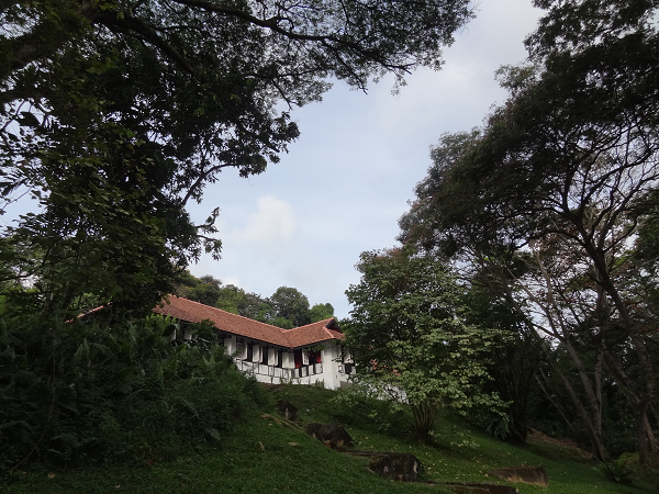Surprisingly one can experience rustic living while on a holiday in Singapore as Villa Samadhi Singapore is located close to nature - the Labrador Nature Reserve