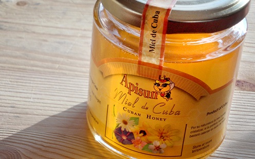 Cuban honey is achieving its own niche in Europe. Courtesy Periodico.