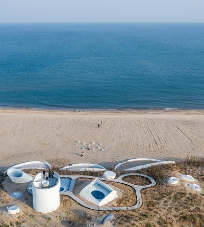 UCCA's Dune melds beneath its own beachside landscape. Courtesy Qingshan Wu and Nan Ni, UCCA.