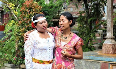 Learning from Indonesian women is an essential part of the Wise Steps Womens tour. Courtesy Wise Steps.