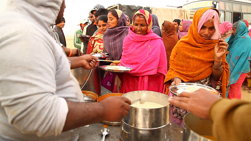 Food kitchens offer poor women in Ambikapur both food and work. Courtesy Wikipedia