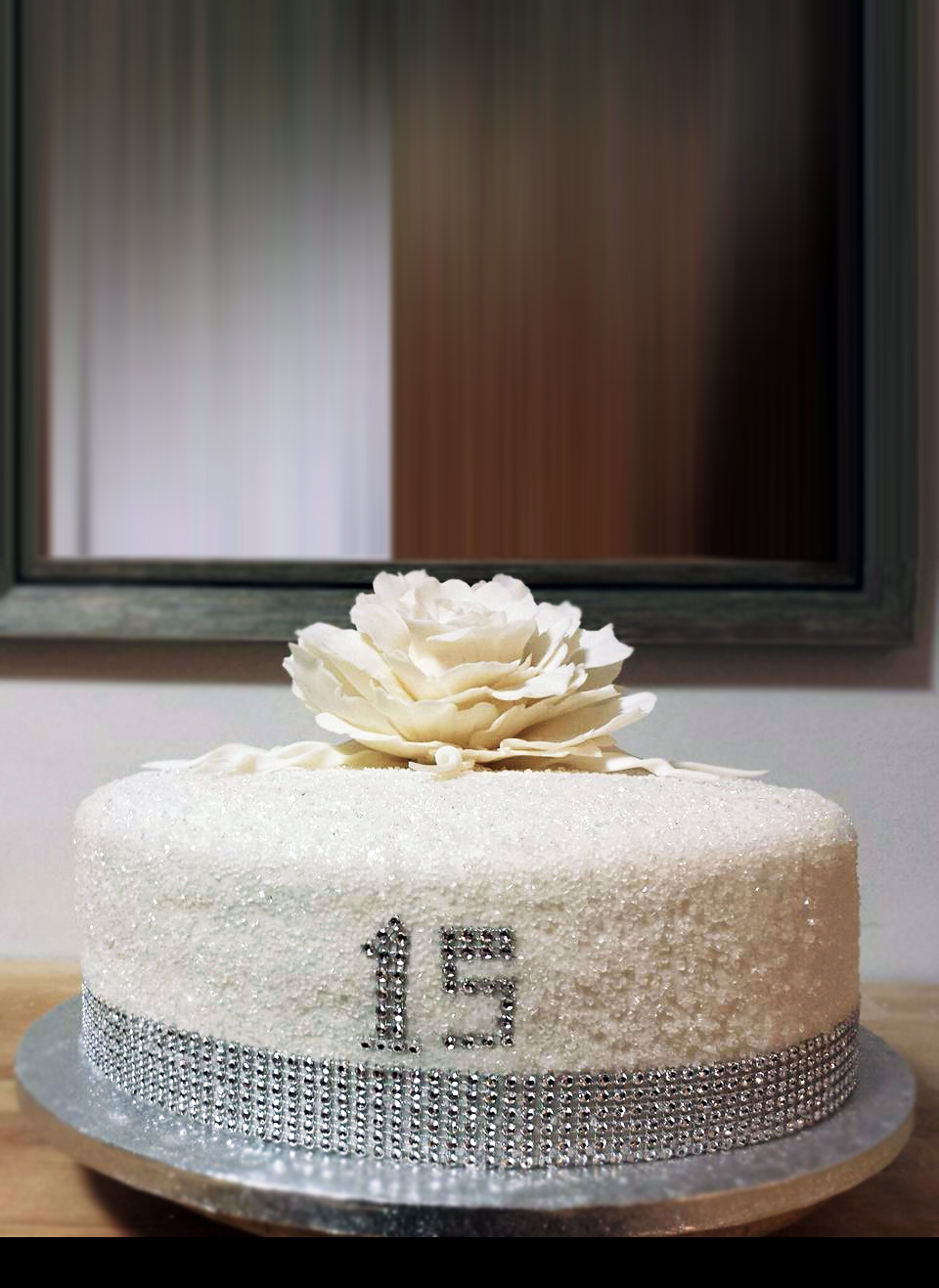 Fios de Mel by Elizabete Costa Cakes and Sweet New York -  1 tier cake 15 anos quinceanera crystal.jpg