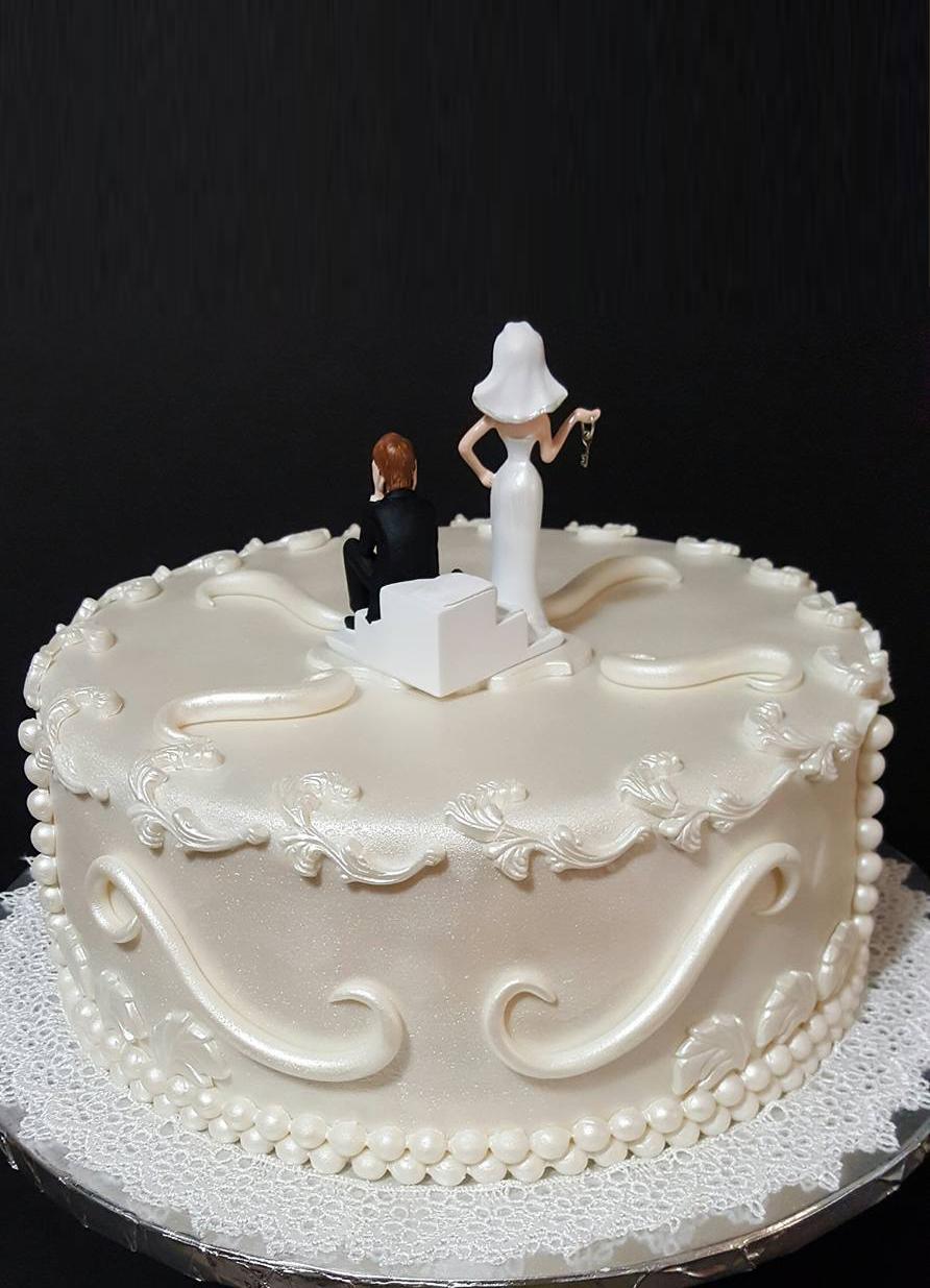 Fios de Mel by Elizabete Costa Cakes and Sweet New York -  1 tier lace wedding cake back.jpg