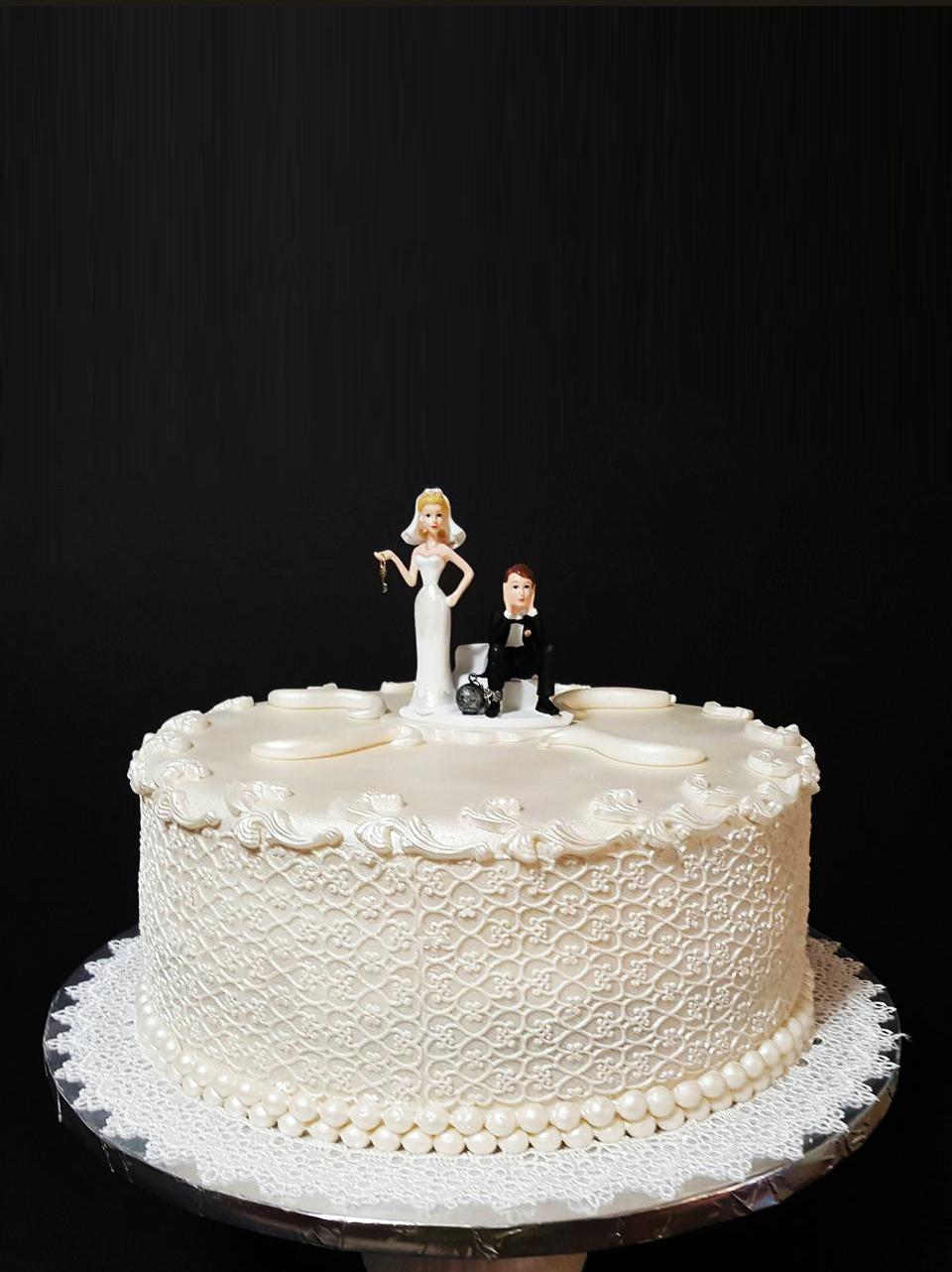 Fios de Mel by Elizabete Costa Cakes and Sweet New York -  1 tier lace wedding cake.jpg
