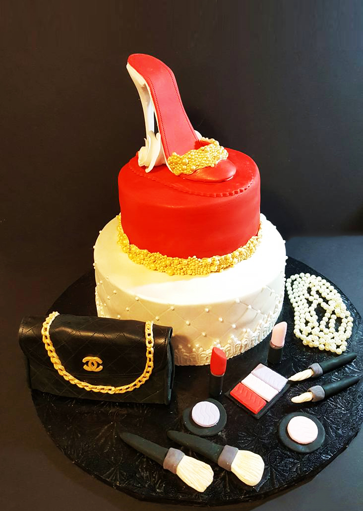 Fios de Mel by Elizabete Costa Cakes and Sweet New York -  2 tier fashion cake.jpg