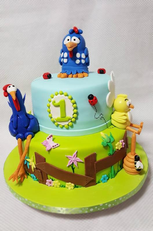Fios de Mel by Elizabete Costa Cakes and Sweet New York -  2 tier galinha pintadinha bolo cake blue little chicken.jpg