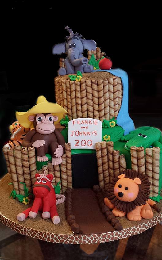 Fios de Mel by Elizabete Costa Cakes and Sweet New York -  2 tier zoo cake.jpg