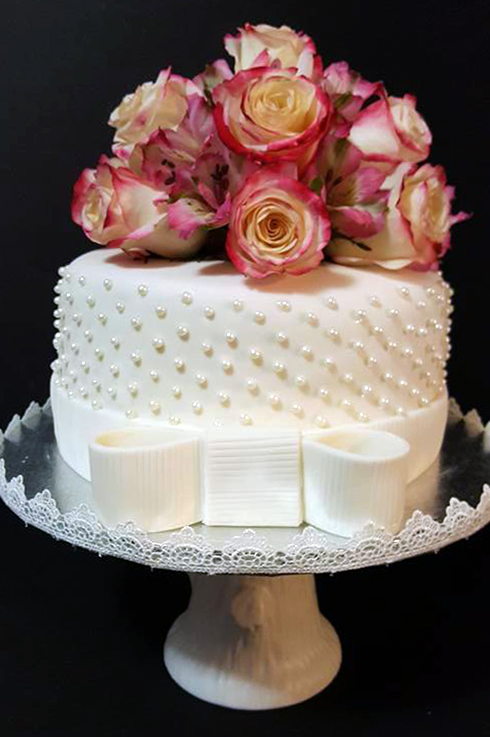 Fios de Mel by Elizabete Costa Cakes and Sweet New York - 1 tier cake with pearls and roses.jpg