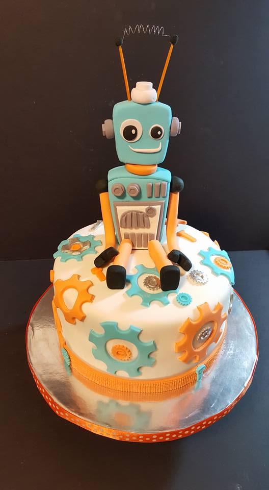 Fios de Mel by Elizabete Costa Cakes and Sweet New York - 1 tier robot cake.jpg